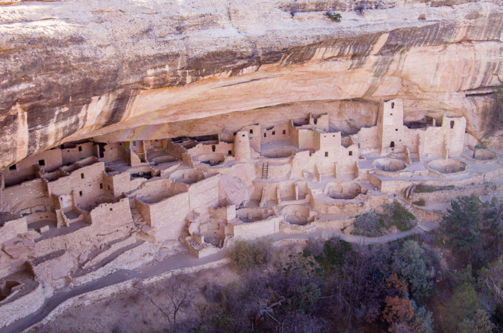 one of the largest cliff dwellings