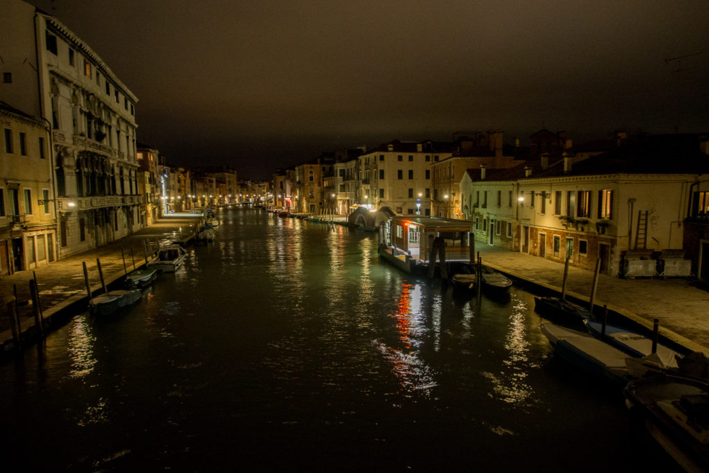 the area near our apartment in venice is desserted at night.