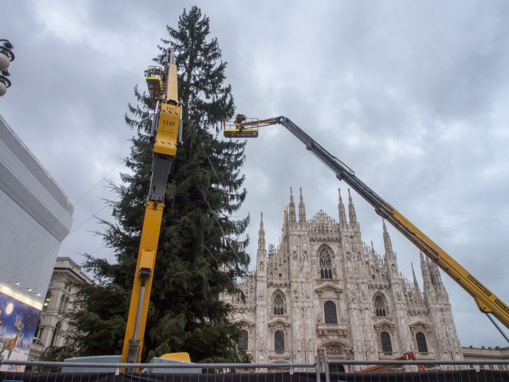 they take christmas seriously here in milan